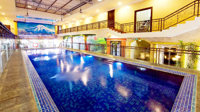 Jakarta hotel amos cozy hotel convention hall official website for Indoor swimming pool in jakarta